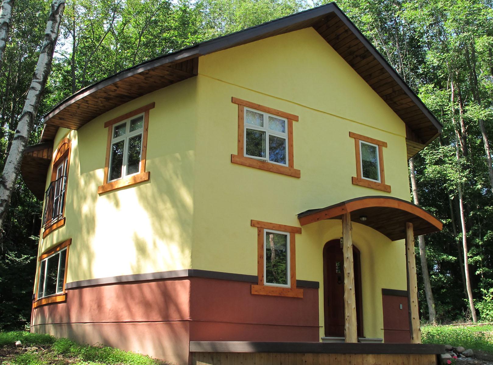 Oval Straw Bale House, Hillsburg